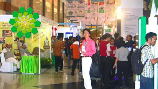 Banjir Diskon Haji & Umrah di International Islamic Expo 2015