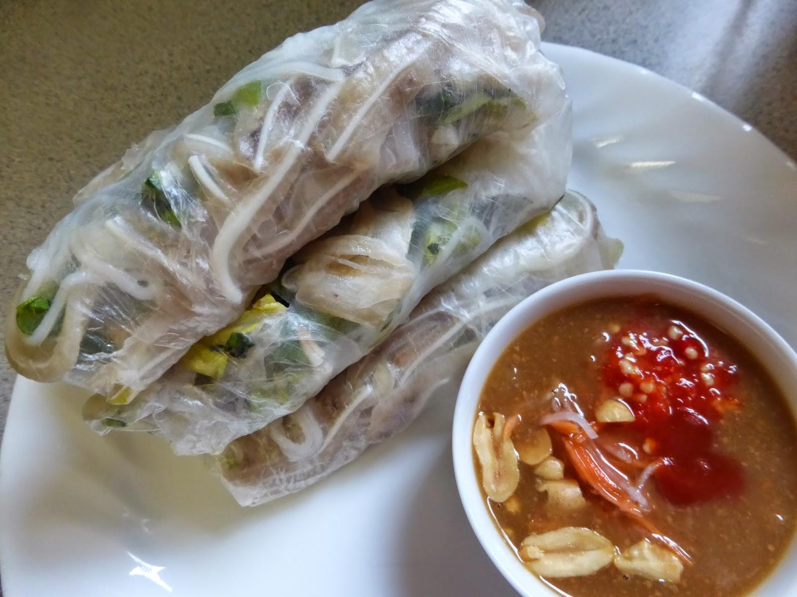how to make banh tai heo