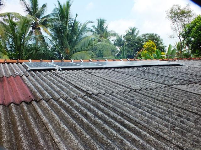 Avissawella Sri Lanka  city pictures gallery : philipveerasingam: Solar panels, Avissawella, Sri Lanka.