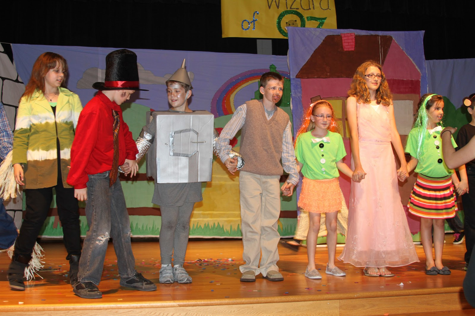 the play wizard of oz