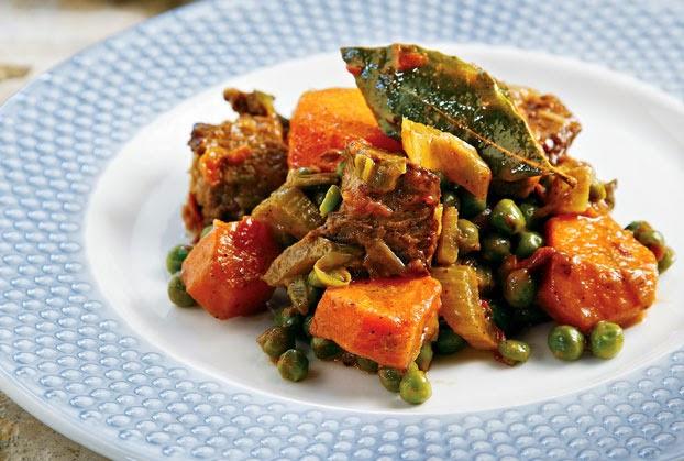 Χοιρινό με λαχανικά στην κατσαρόλα | e-womenmagazine.blogspot.gr