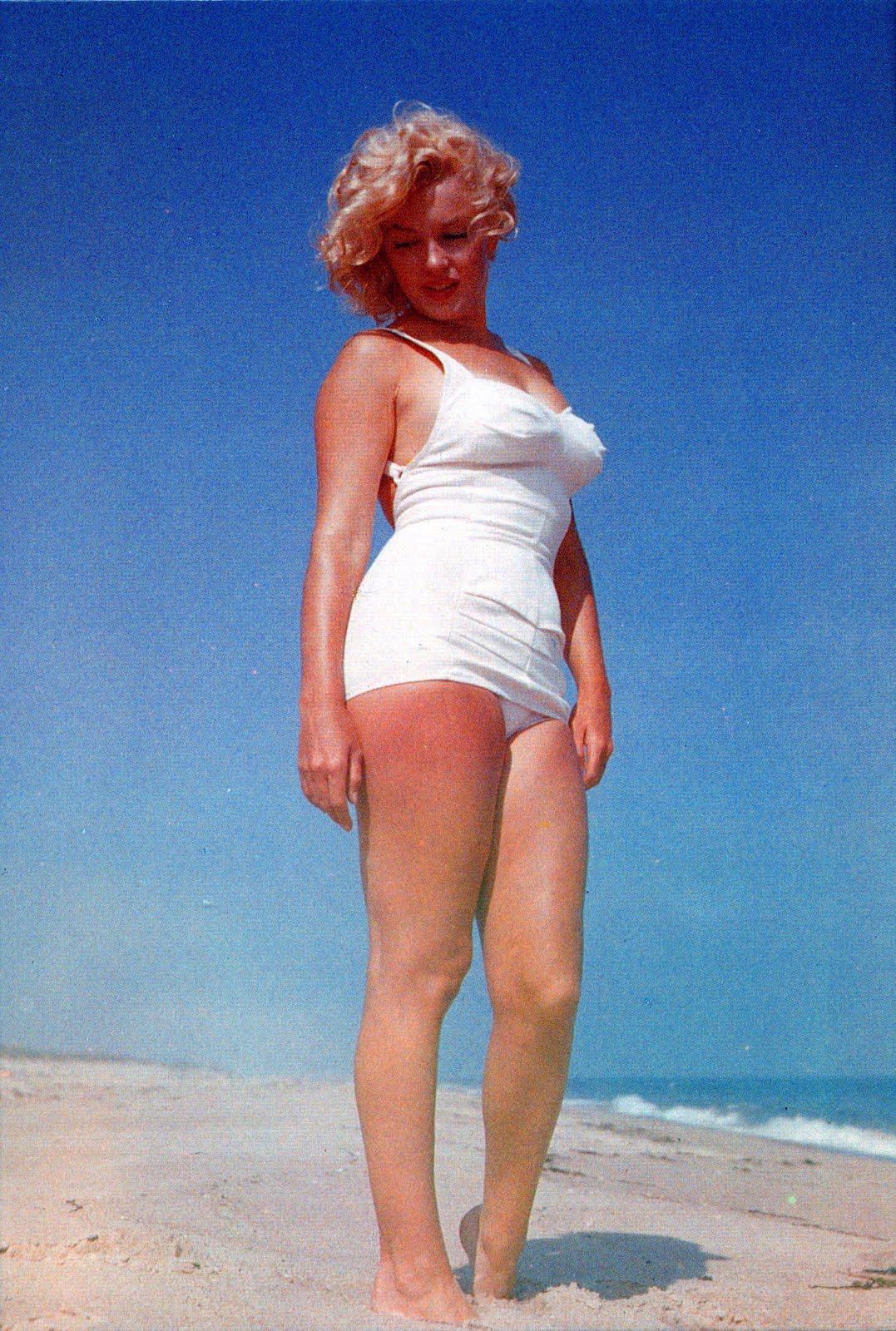 Daily Lazy Marilyn Monroe At The Beach
