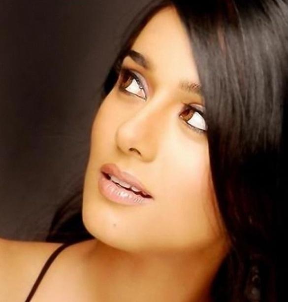 Latest Sexy Adorable Amrita Rao Hot Photoshoot Pics Stills