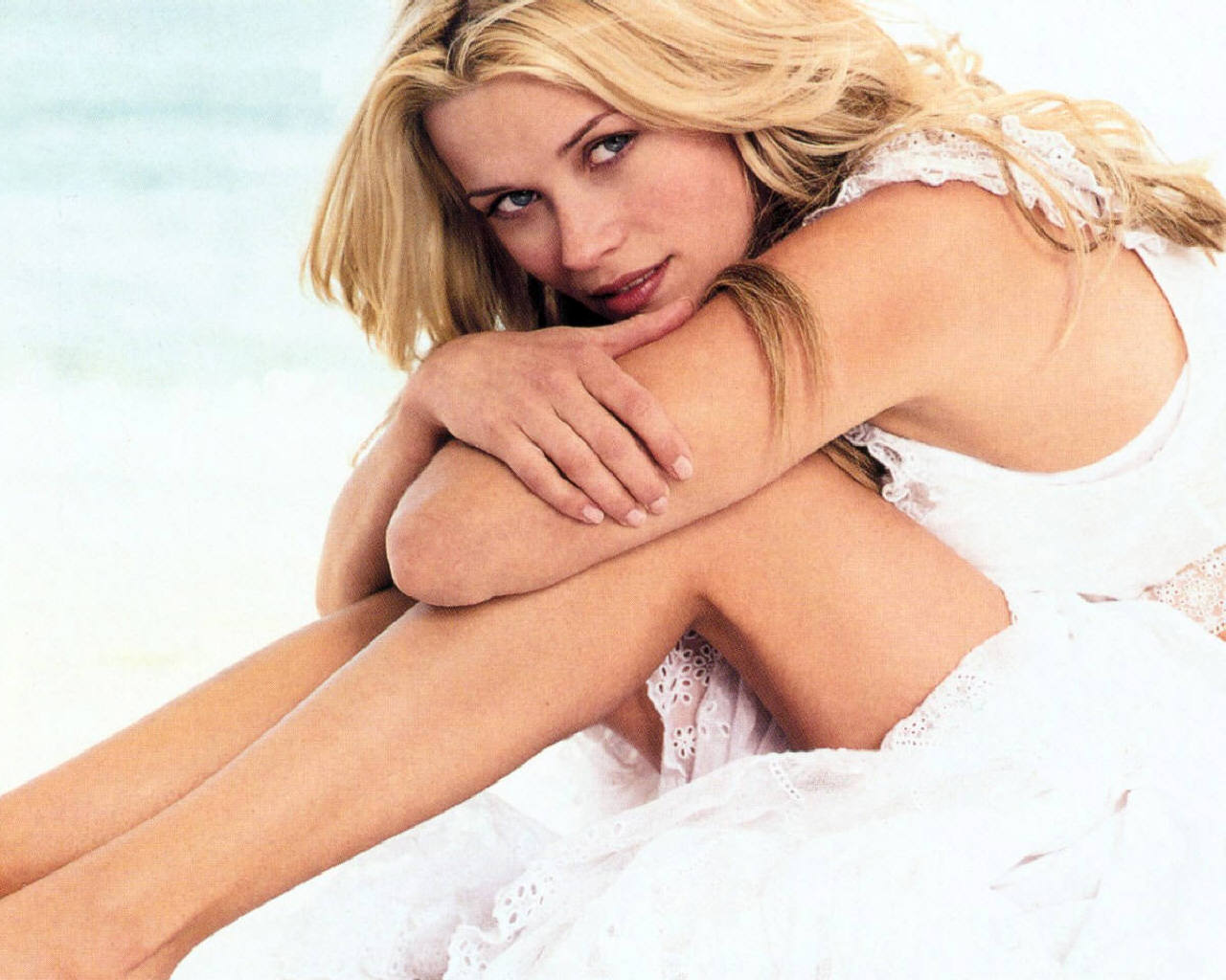 http://3.bp.blogspot.com/-NUJflTJdRU8/T_QYmXwp5pI/AAAAAAAAB5w/25_UzYT2o50/s1600/Reese-Witherspoon-Shirtless.jpg