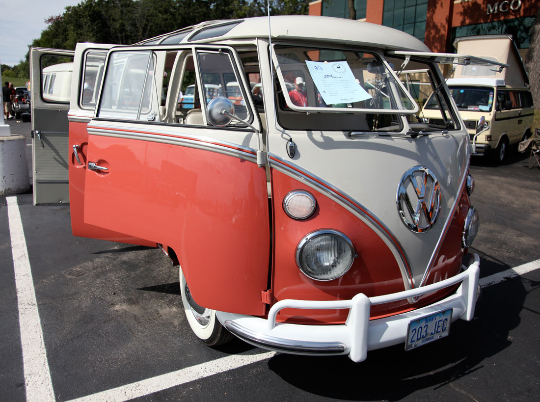 1962 volkswagen split window bus primierauto