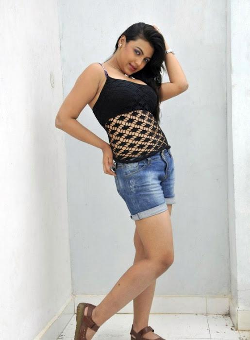 Priyanka Tivari Images 4