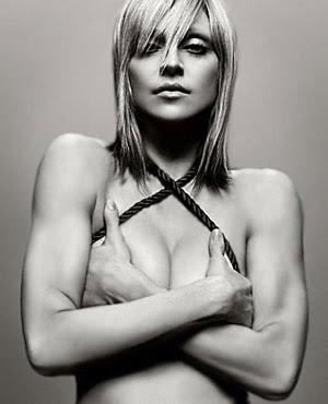 http://3.bp.blogspot.com/-NUkkIdPX1AI/Tib57-UQsDI/AAAAAAAAARo/vqOSGuRMlYw/s400/Madonna+Hot+Candy+Store.jpg