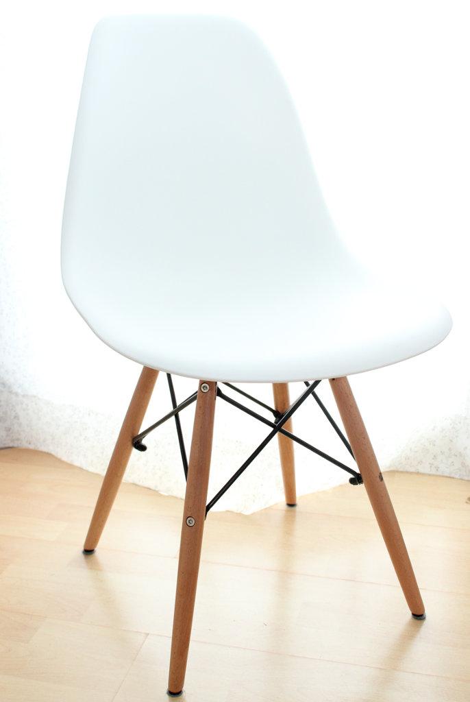ars textura endlich habe ich meinen eames style stuhl. Black Bedroom Furniture Sets. Home Design Ideas