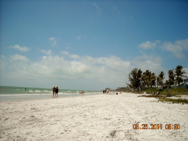We decided to check out Fort Meyers Beach beaches.