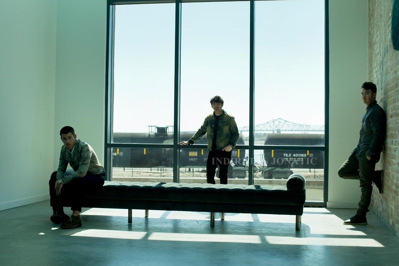 Indiretas Jonatic: [FOTOS] Novo photoshoot dos Jonas Brothers