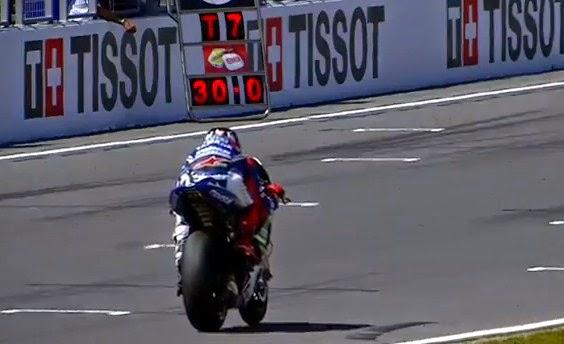 Sejak Pagi Kemeriahan Sirkuit Sepang Sudah Terasa Karena Hari ini kejuaran Moto GP
