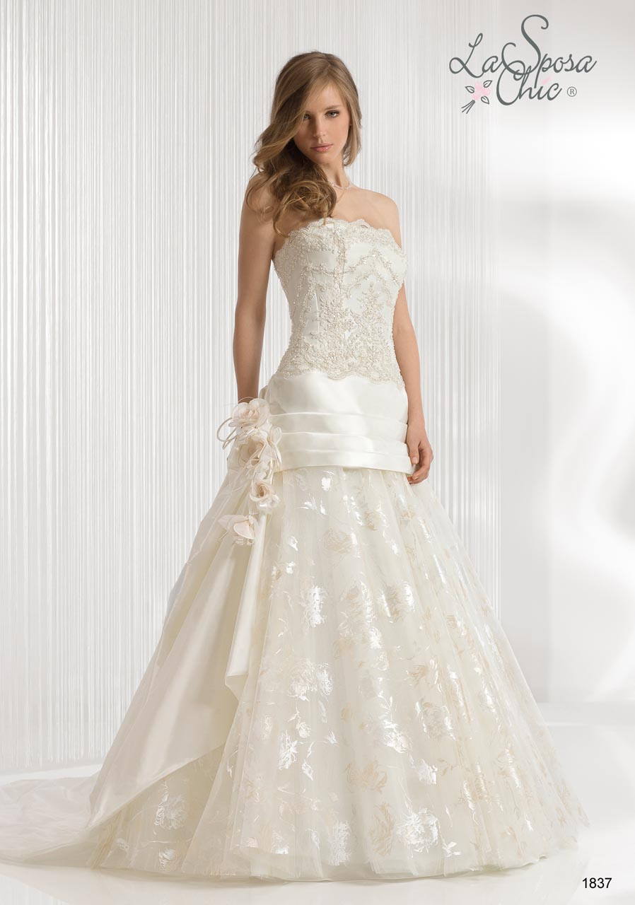 Daily wedding dresses la sposa chic 2012 spring summer for Dresses for spring wedding