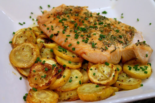 Mangia Dry Rub: Broiled Salmon with Sautéed Golden Zucchini