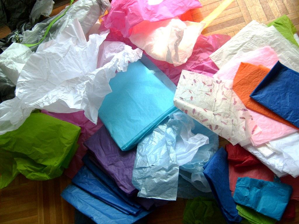 Green Broke Living In Kits Tissue Paper Flowers