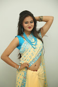 Nilofer sizzling saree photos-thumbnail-7