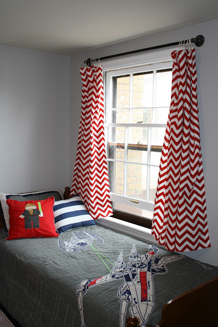 Short curtain rod