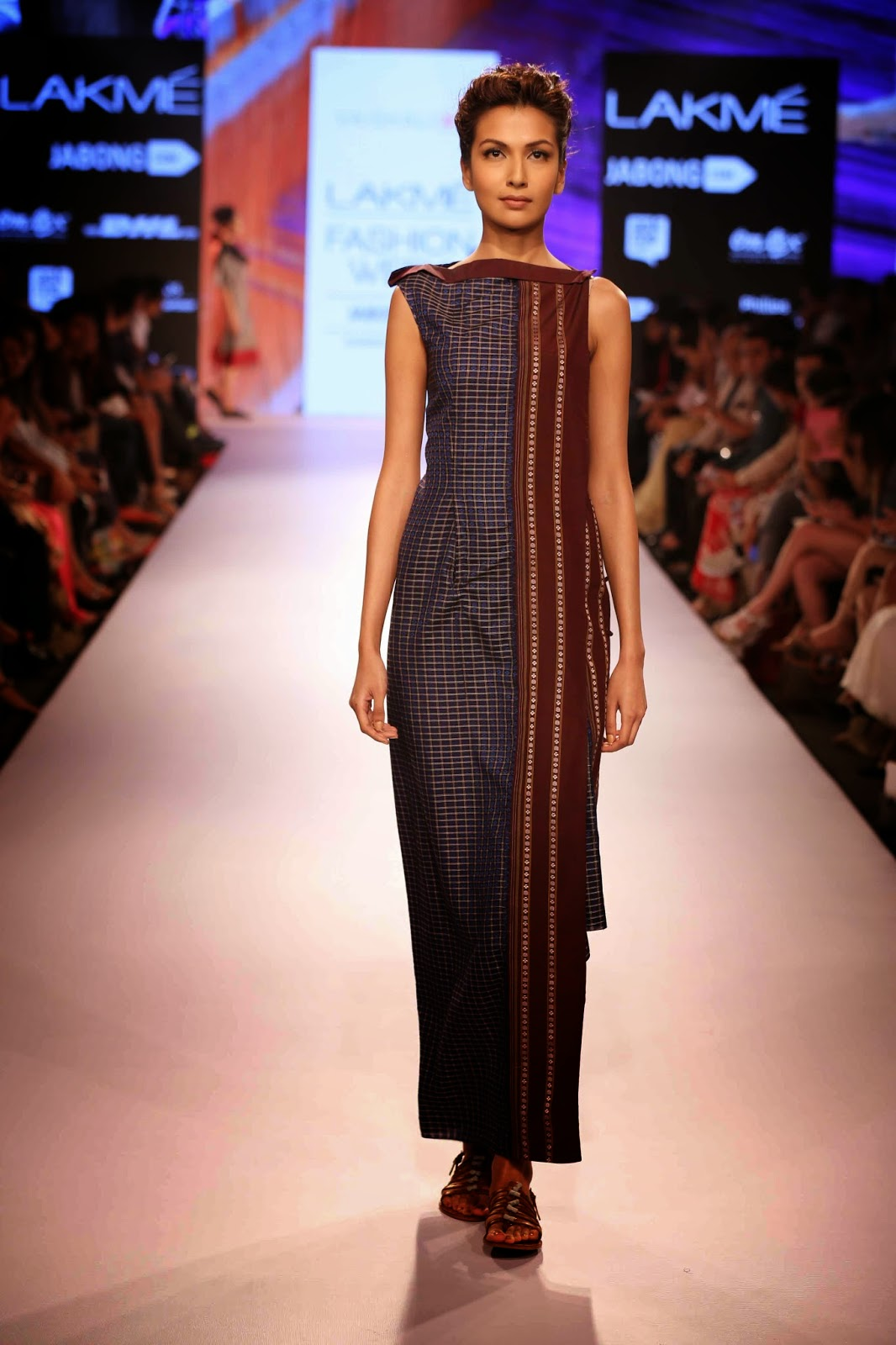 http://aquaintperspective.blogspot.in/, LIFW Day1, Vaishali Shadangule