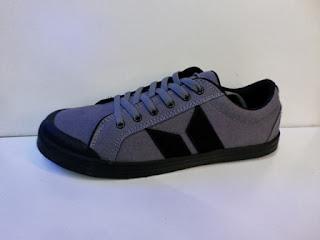 sepatu abu-abu, sepatu warna abu-abu, Sepatu Macbeth Vegan abu-abu