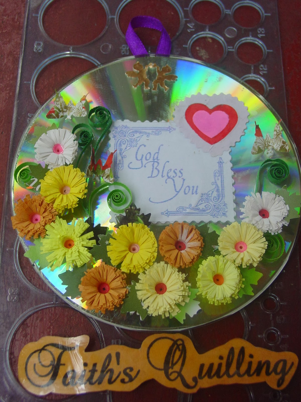 Faith 39 s quilling quilled cd wall hangings - Porta cd design ...