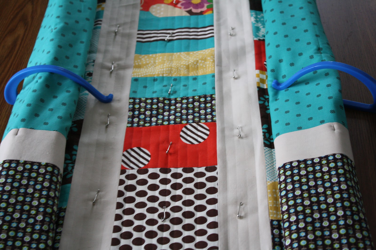10 Tips for Trouble-Free Straight Line Quilting | Mama Love Quilts : straight line machine quilting - Adamdwight.com