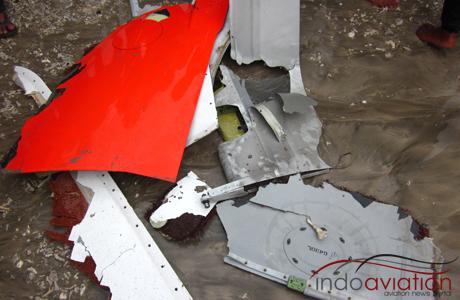 Serpihan pesawat Lion Air yang kecelakaan di Bali