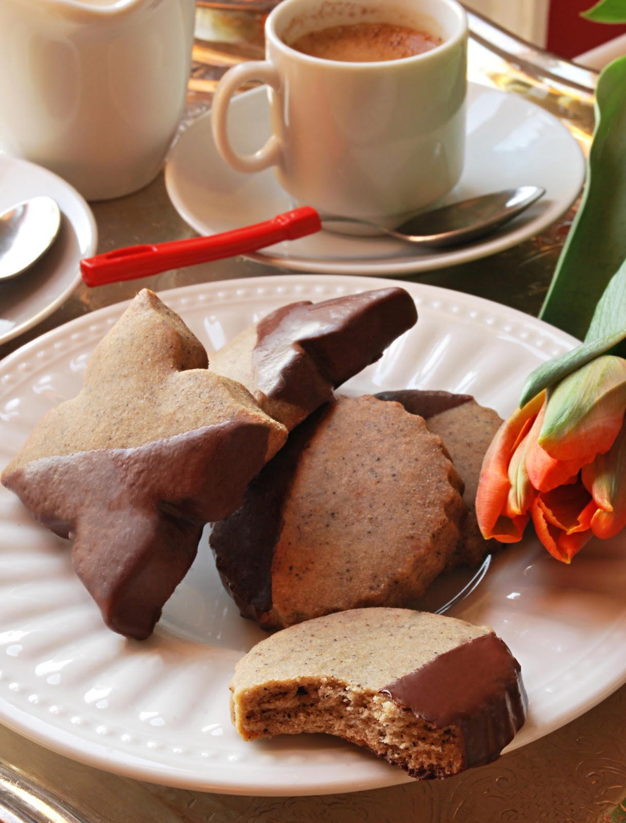Chocolate-Dipped Espresso Bean Shortbread & a Visit to Bonnie Gordon ...