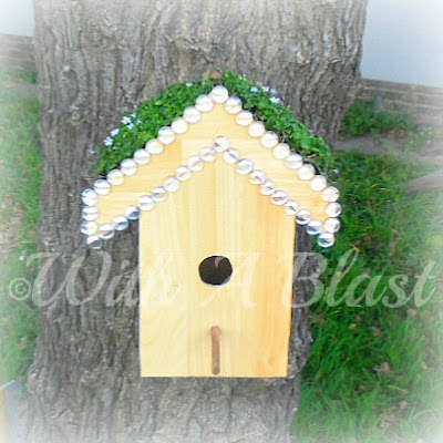 With A Blast: Birdhouse Planter {DIY}   #diy  #crafts  #garden