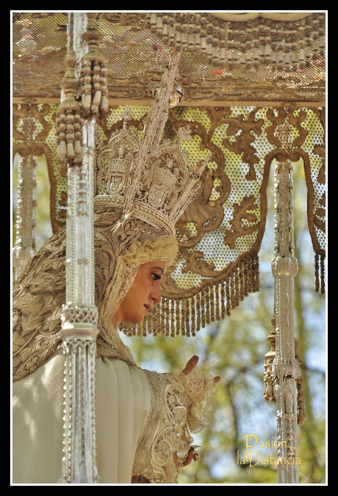 Virgen-de-la-Paz-Sevilla-Semana-Santa-2015