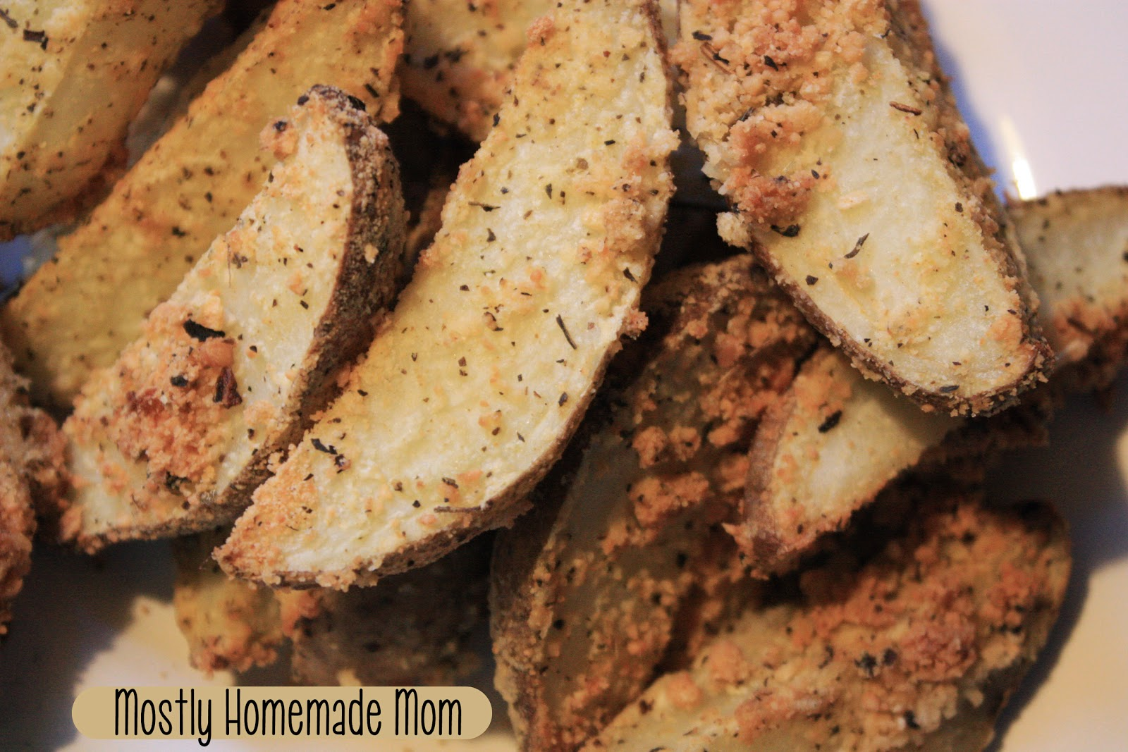 Mostly Homemade Mom: Italian Parmesan Potato Wedges