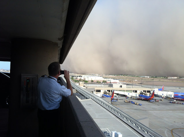 PHX Sky Harbor Airport Haboob Southwest Airlines Capn Aux