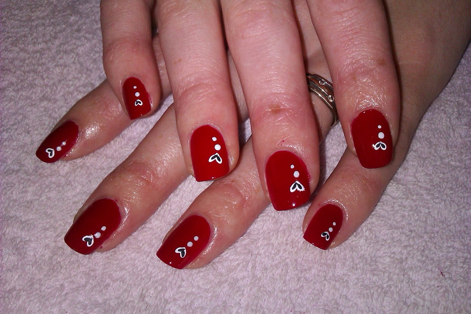 One Hundred Styles: Valentine Day Nail Art Designs