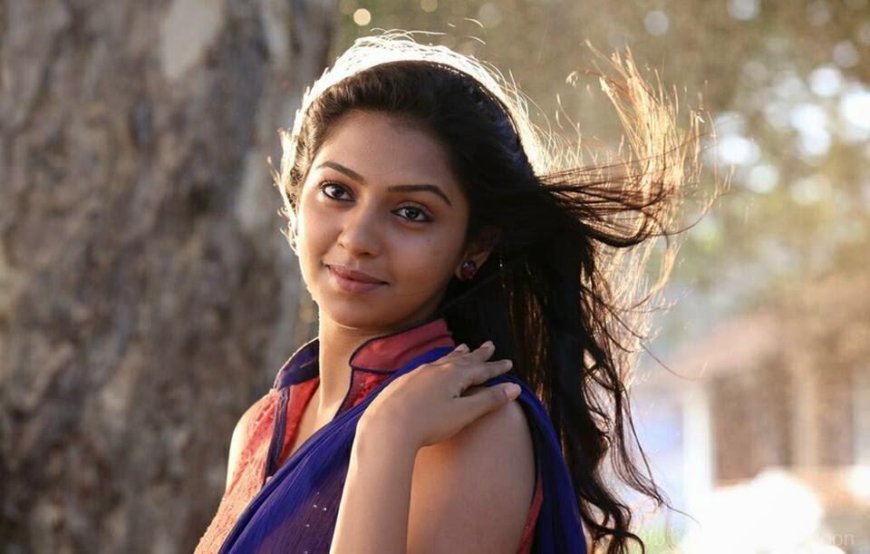 ... blue film,lakshmi menon,lakshmi menon breast,lakshmi menon hot stills Naan Sigappu Manithan Lakshmi Menon Hot Stills