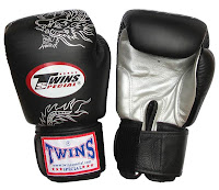 Twins Muay Thai Boxing Gloves3
