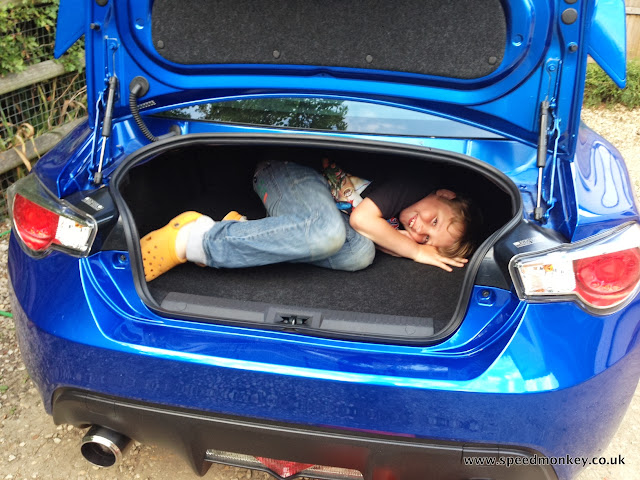 Subaru BRZ boot space