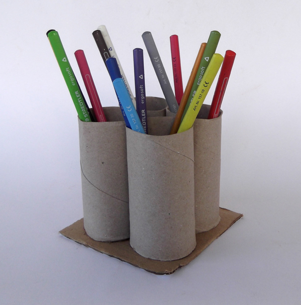 pencil holder, pencil organizer, desk organizer, toilet paper roll crafts, toilet roll crafts, pencil holder with toilet paper rolls, kids crafts, crafst for school, recycled crafts, crafts with recycled materials,