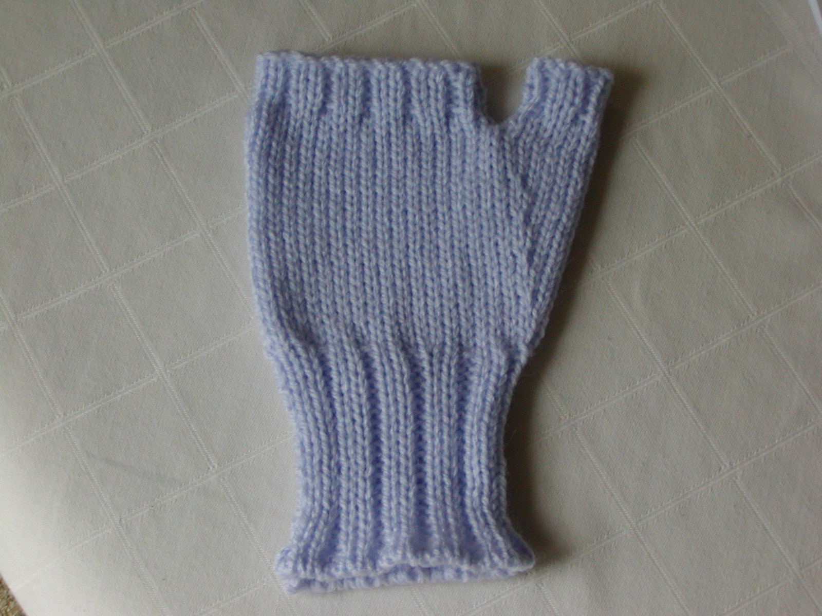 Knitting Pattern Fingerless Mittens Two Needles : Addicted to Machine Knitting: Fingerless Gloves Machine Knitting Pattern