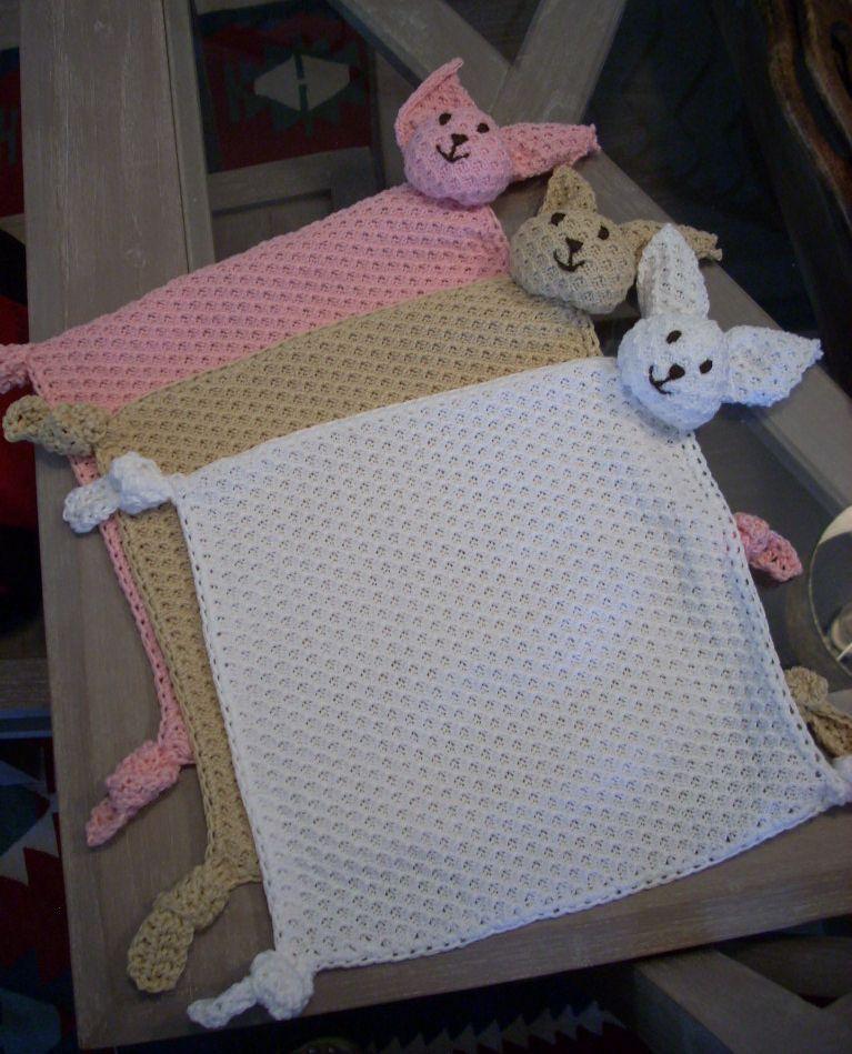 Mi tricotosa y yo: MANTA DE APEGO PARA BEBÉ