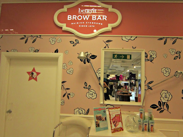 benefit make-up brow bar