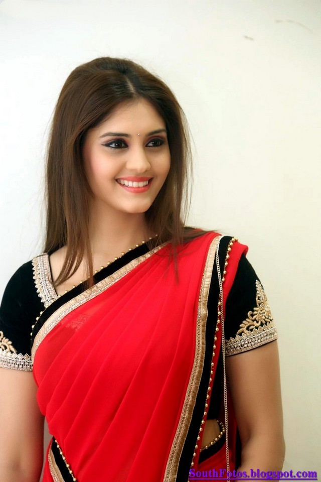Surabhi Latest in Saree Wallpapers