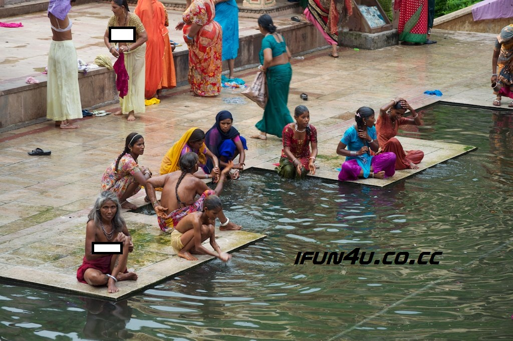 Ganga River Bathing Women Nude