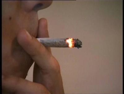 El Cigarrillo o la Marihuana.Que es Peor?