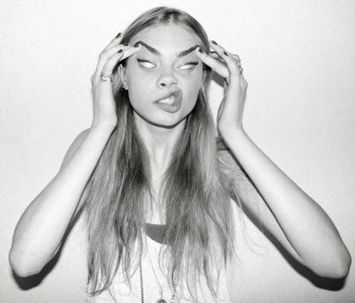 Las mejores caras de Cara Delevingne