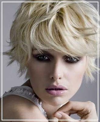 model potongan rambut shaggy pendek wanita berponi panjang 3265478