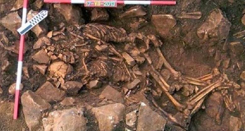 Ditemukan Sepasang Kerangka Ribuan Tahun di Yunani