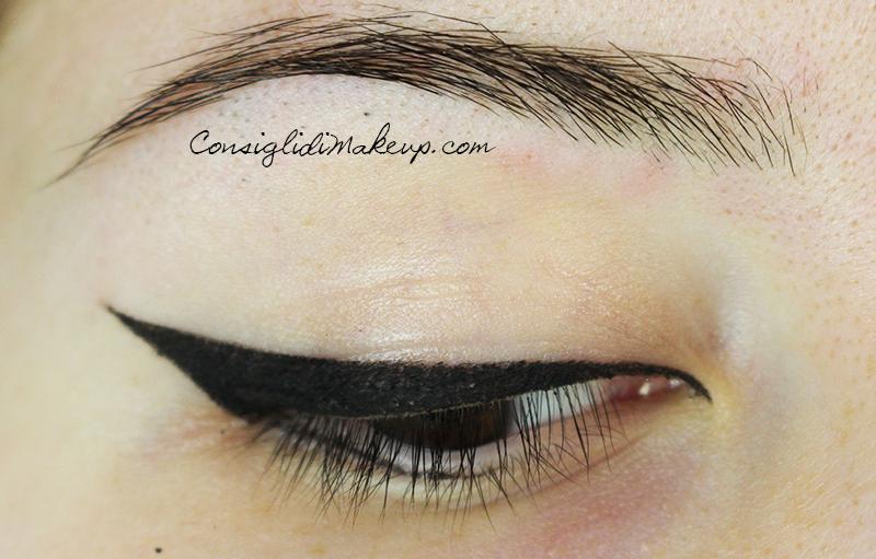come tracciare l'eye-liner
