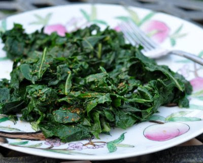Asian Greens ♥ AVeggieVenture.com, cuz you never want to throw away fresh greens again. Low Carb. WW1. Vegan. Paleo. Whole30.