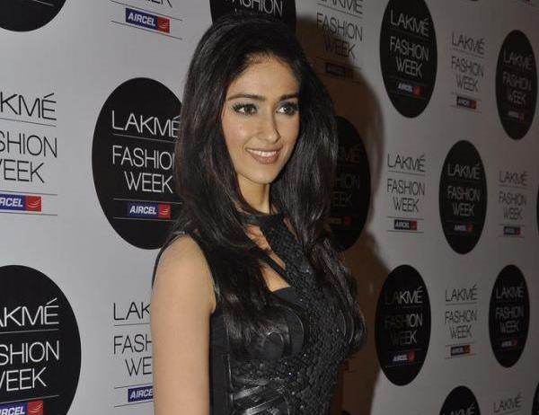 Ileana in black dress - Ileana D'Cruz at Lakme Fashion Week 2012