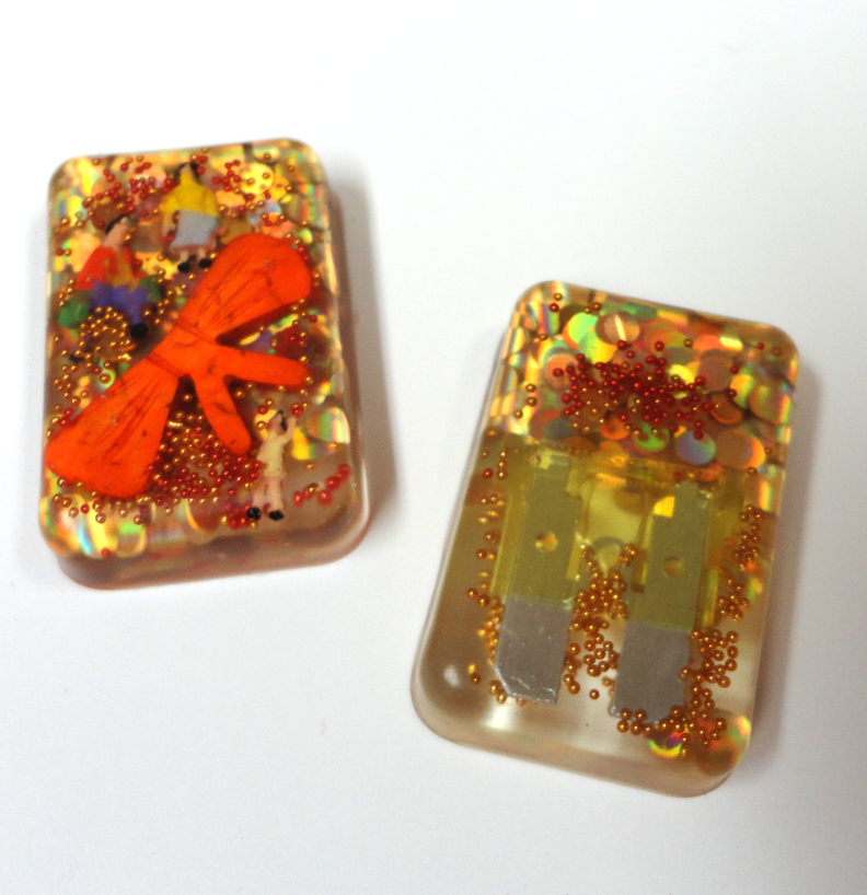 Resin Crafts: Jewelry Resin In Molds