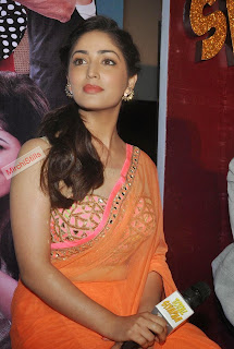 Yami Gautam in lovely Transparent Orange Saree Heavy Jari Work Blouse Must See Beauty