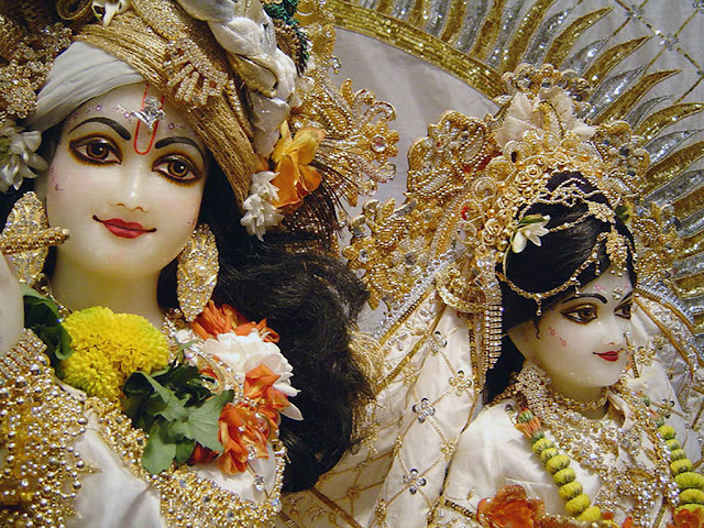 Radha Krishna in White Dress HD Wallpaper